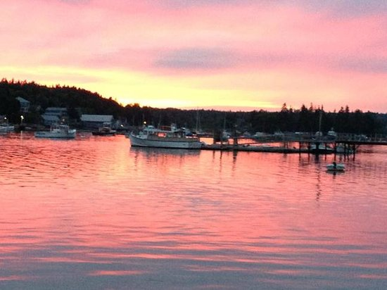 Sunset... dining on the patio at Seafood Ketch