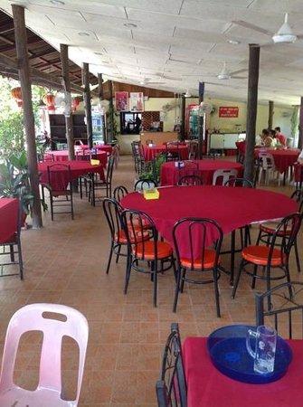 Boat Restaurant: View of restaurant