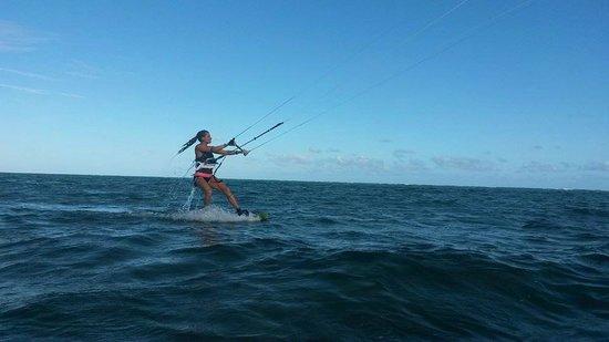 Leading Edge Kite School : up & riding!