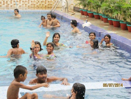 Anutri Beach Resort: having fun in pool