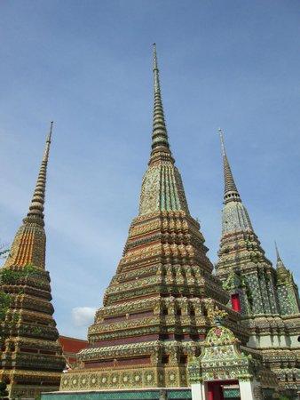 Wat Pho (Tempel des liegenden Buddha): domes