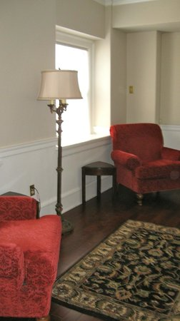 Hotel 340: Sitting Area
