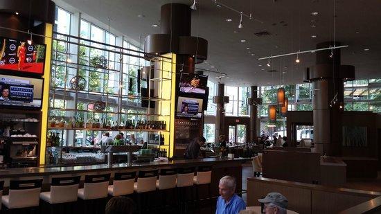Vancouver Marriott Pinnacle Downtown Hotel : Showcase Bar & Restaurant