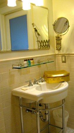 Hotel 340: Sink, Vanity Area