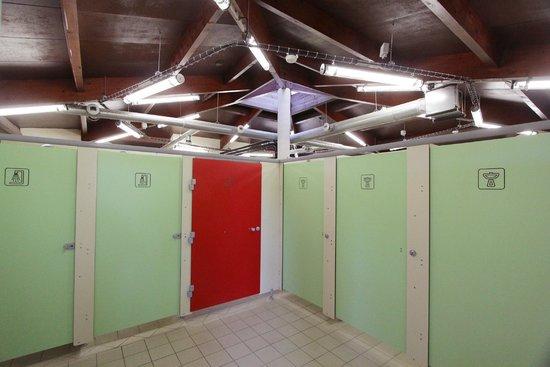 Camping De La Cite : sanitaire