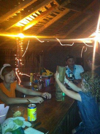 Phi Phi Island Village Beach Resort : Playing jenga at Zaboy Bar in the back Village