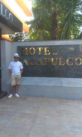 Hotel Acapulco Lloret de Mar : Вход в отель.
