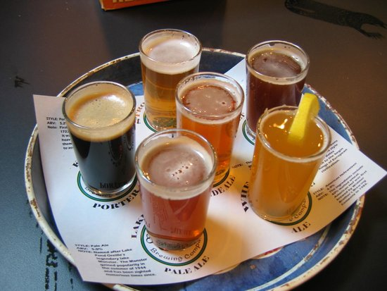 MickDuff's Brewing Company: Order the sampler tray - you won't be disappointed!