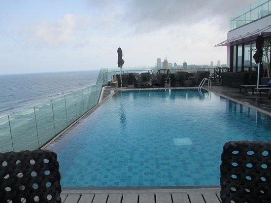OZO Colombo: infinity pool