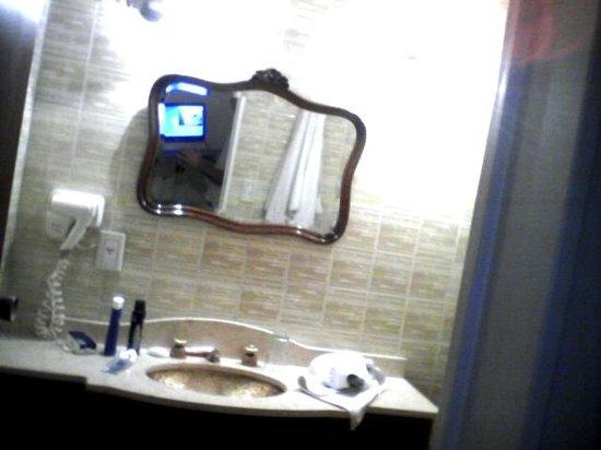 Hotel Riviera: baño