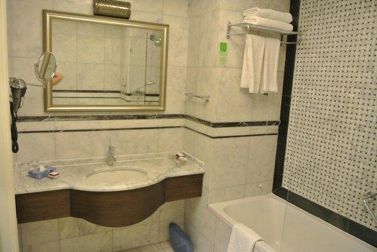 Levni Hotel & Spa: Bathroom