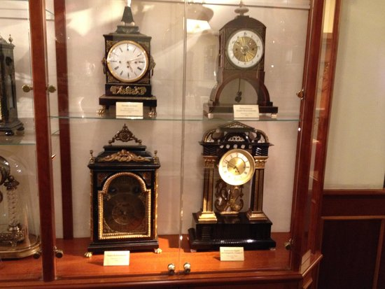 Hotel Stefanie: Many Antique items on display