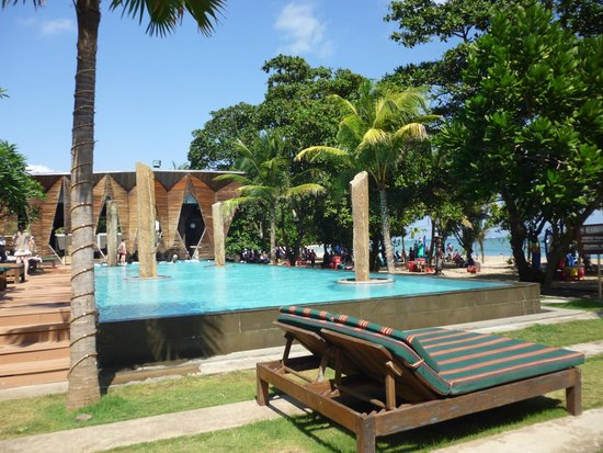Grand Inna Kuta : Pool at the HQ bar - under separate management