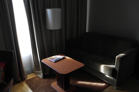 Scandic Jyvaskyla: Sitting area in the Superior room