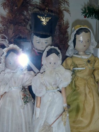 The Toy Museum: old dolls