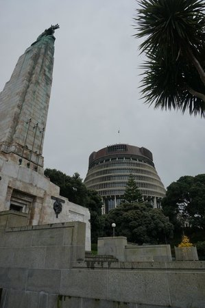 Wellington Cenotaph: Cenotaph and the Beehive