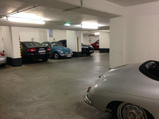 Hotel Klemm: Great underground car park