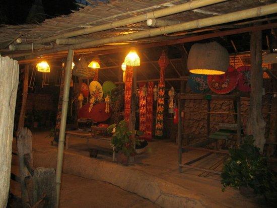 Siam Niramit: tempat membuat kain