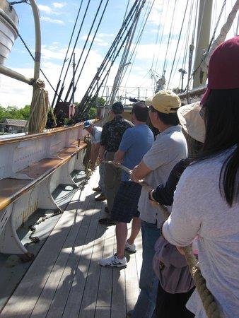 Mystic Seaport: raising the mast beams