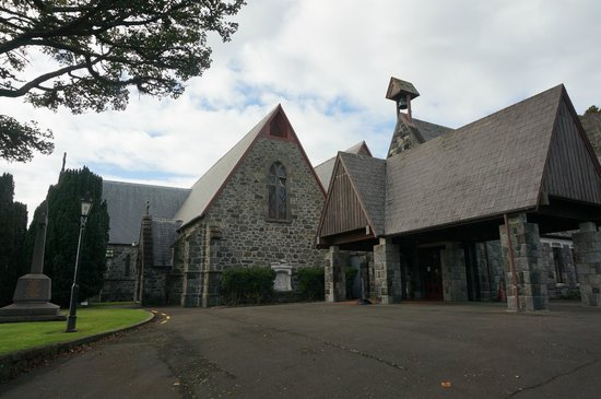 Taranaki Cathedral, Church of St Mary: outside