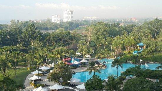 Shangri-La's Mactan Resort & Spa : View from Ocean Club Wing.