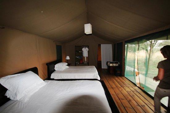 Dunia Camp, Asilia Africa: Interno della nostra tenda