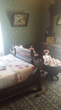 McHenry Mansion : Room