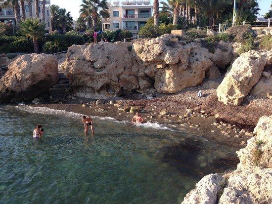 Akti Beach Village Resort: crique de l'hotel