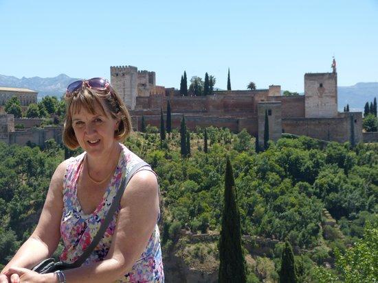 Mirador de San Nicolás: Alhambra view