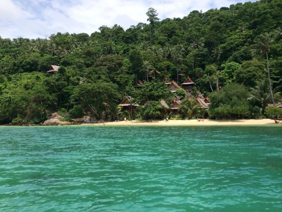 Phi Phi Relax Beach Resort : View from the sea