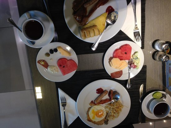 Viva Garden Serviced Residence: Breakfast