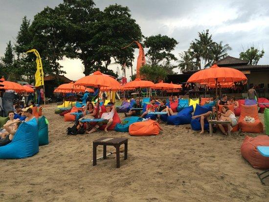 Grandmas Plus Hotel Seminyak: great sunset and beach massage from here