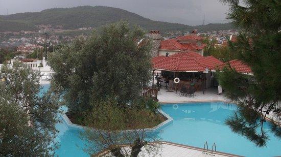 Sunshine Holiday Resort: Havuz=Oda Manzarasi