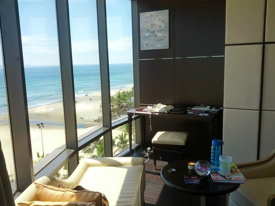 Holiday Beach Danang Hotel & Resort: Work table