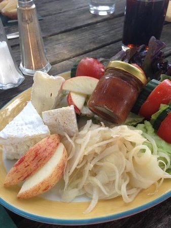 Royal Oak Pub: soft cheese ploughmans with plum chutney