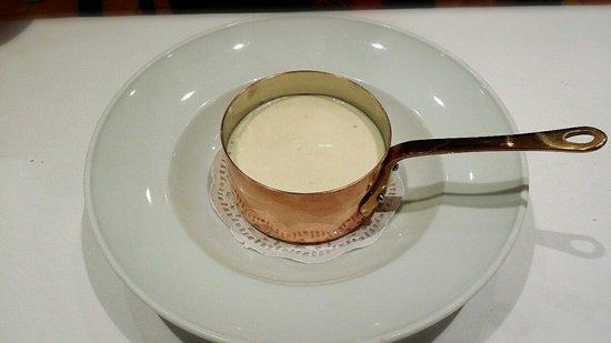 Meson de Dona filo: Tortilla patatas con calabacin y crema creo recordar de queso, para repetir mmmm !!!