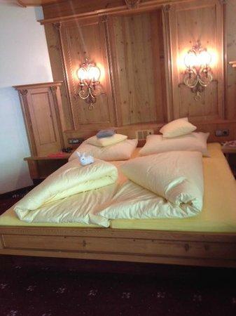 Hotel Alte Post: le lit