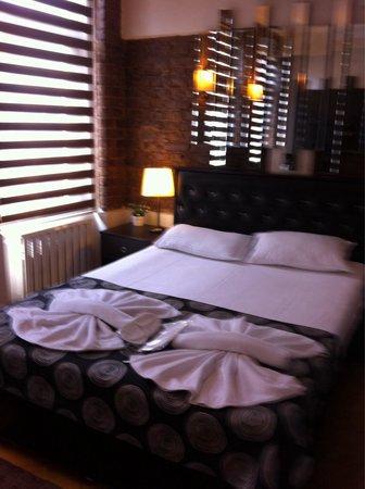 10 Suites: Room 43 alley side
