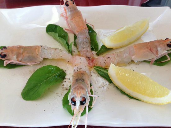 Oyster & Sushi Bar Bota: 近海ものの生海老