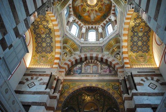Basilique Notre Dame de la Garde: Базилика Нотр-Дам де ля Гард