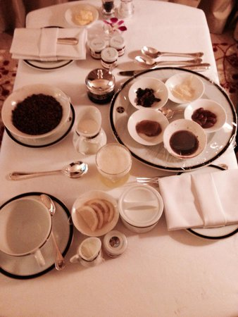 The Empire Hotel & Country Club : Breakfast