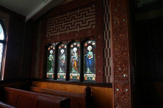 St. Faith's Anglican Church: windows