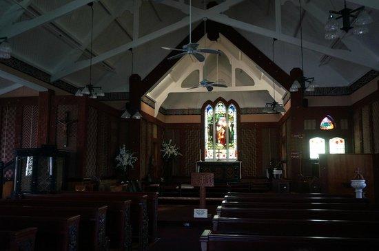 St. Faith's Anglican Church: inside