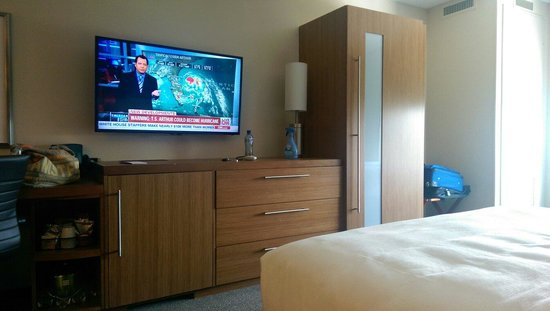 Hyatt Place Houston / The Woodlands: View of the Tv from one of the beds in the queen suite.