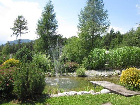 Hotel Kaysers Tirolresort: Hotel garden