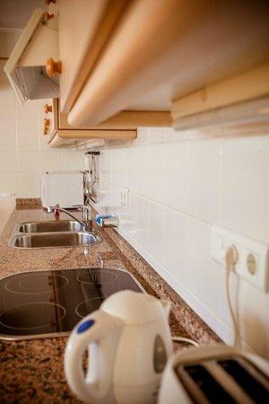 Casa Charlotte: 2nd floor apartment : Kitchen