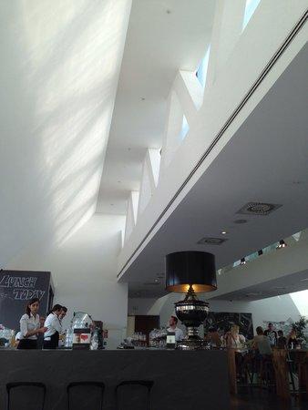 Freiblick Tagescafe: Blick auf die Bar...