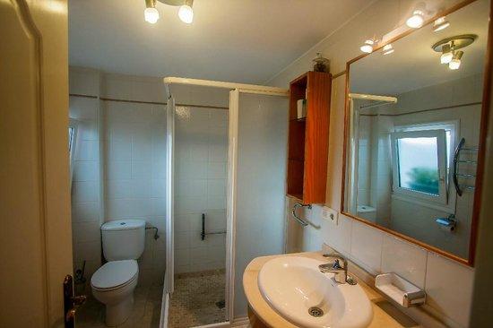 Casa Charlotte: 2nd floor apartment : bathroom