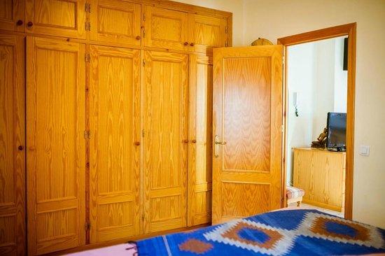 Casa Charlotte: 1st floor  apartment: bedroom and wardrobe.
