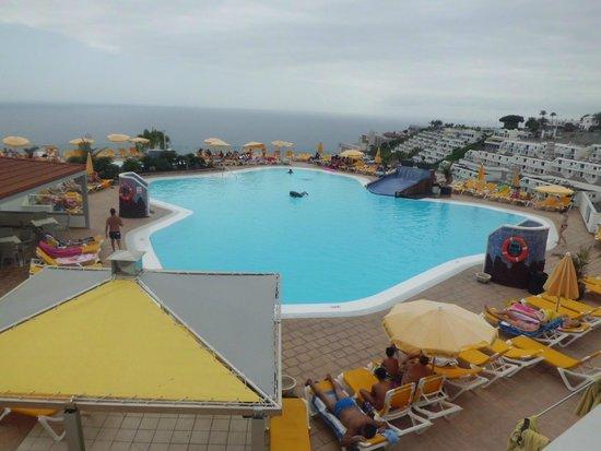 Hotel Riosol : una de las piscinas